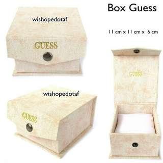 Box jam tangan Guess