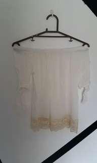 🌸 Bohemian style off shoulder top / lace blouse