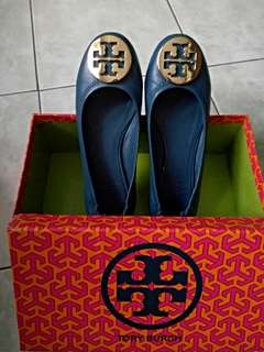 Tory Burch  Authentic/ Navy Blue color size 5.5