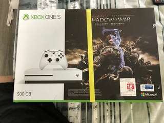 Xbox ONE S SHADOW OF WAR GAME INCLUDED