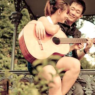 Professional Guitar,Keyboard and Ukulele Lessons for Adults and Kids