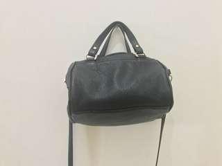 Preloved Stradivarius Bag Black