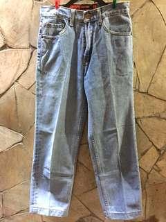 Celana  panjang Lea Original 606 size 29