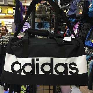 有門市~ADIDAS LINEAR PERFORMANCE DUFFEL BAG  運動手挽側孭兩用袋 運動袋 運動大袋 斜孭袋 #S99954
