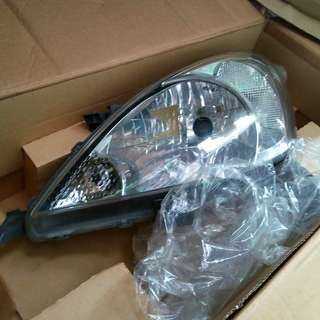 2 Original Headlights of Innova 2007