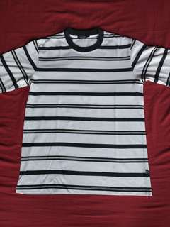 Striped tees (kaos garis garis)
