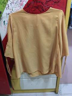 Baju Lengan Panjang Kuning
