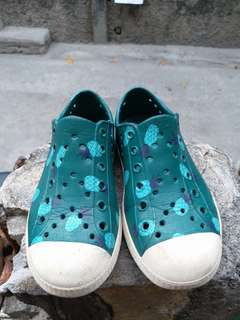 Crocs Cotton On