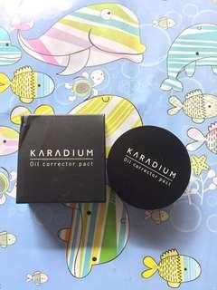 Kadium Oil Corrector Pact