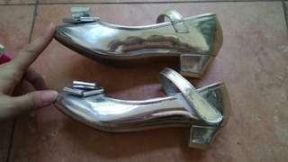 Sepatu pesta anak merk fladeo