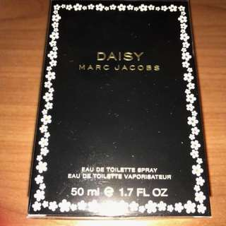 Marc Jacobs Daisy Eau De Toilette Spray 50ml Perfume