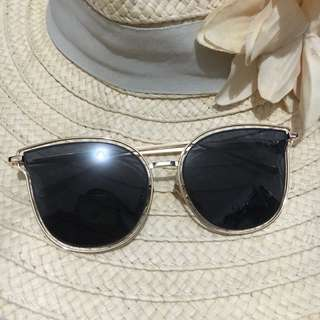 Sunnies - Black and Gold