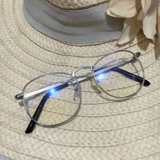 Eyeglass - Replaceable Lens
