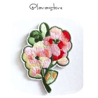 Bn iron on patch floral/flower Embroidered