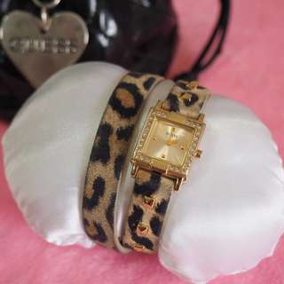 GUESS Women Watch (Gold Dial Leather)