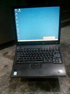 Laptop jadul lenovo ibm thinkpad R51e