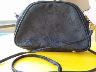 Vivianne Westwood 黑色mini 手袋