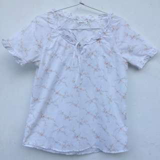 Blouse white flower