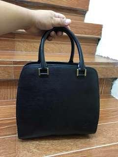 Lv epi black handbag
