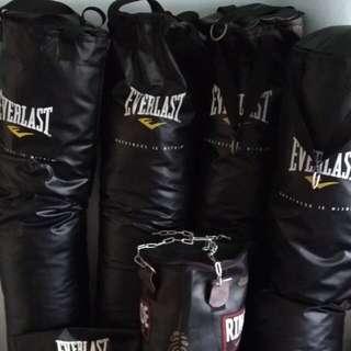 Everlast punching bag 80lbs