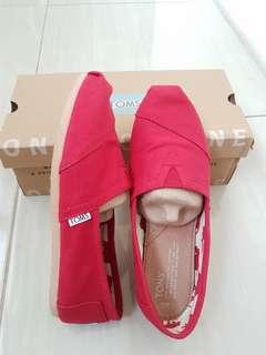 🚚 Toms 經典紅鞋