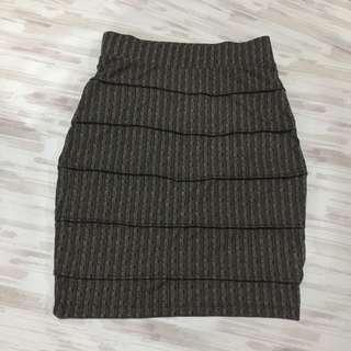 stretchable unique patterned skirt