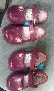 CLARKS KIDS ORIGINAL SIZE 3 1/2 & 5 1/2