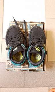 Five Ten Freerider kids shoe