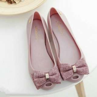 *FREE DELIVERY to WM only / Ready stock* Ladies ribbon jelly shoes each pair as shown in design/color.  Free delivery is applied for this item.