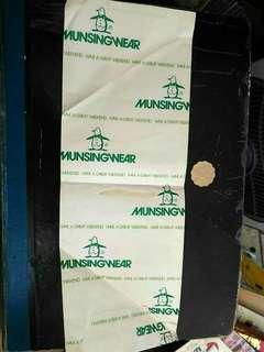 中古 運動用品名牌 MUNSINGWEAR 企鵝仔 長型紙袋