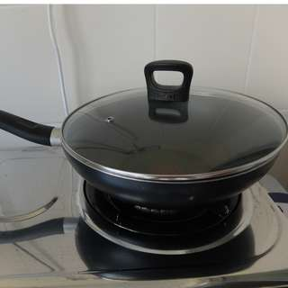 TEFAL Non-Stick Pan 28cm with Lid