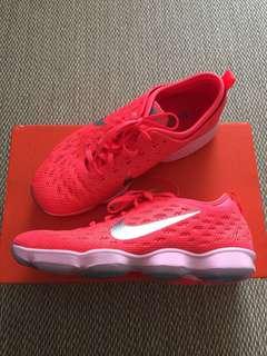 🚚 全新 Nike Zoom Fit Agility 25cm