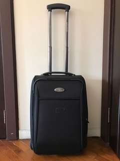 Travel Luggage Bag - solid quality