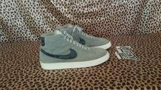 Nike Blazer Mid PRM Suede Sneaker Second sepatu bekas import