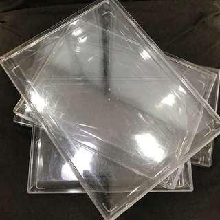 4 Ferrero plastic containers FOC