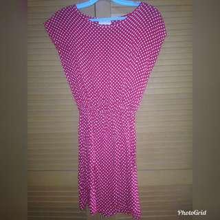 Dress polkadot merah