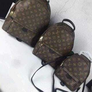 LV BACKPACK AVAILABLE IN 3 SIZE 🎒