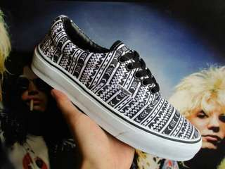 Vans era aztec black white