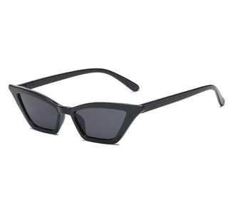 Black small fashion sunglasses