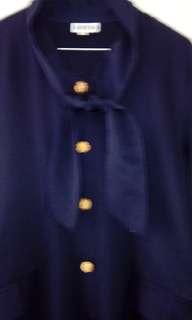 Tunik dasi kancing