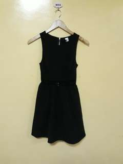 Must go! H&M Black dress