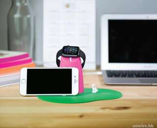 The coopidea mount Apple Watch 充電座 連防滑墊(可放iPhone 電話)