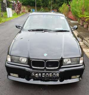 BMW E36 318is Coupe (Manual)