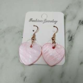粉紅色貝殼心心耳環 可愛 耳勾