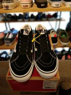 vans sk8 Mid Raissue Black white