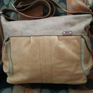 Price reduce!!Authentic fossil bag #midyearsale