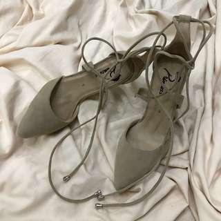 Brand new Princess Cipela Heels