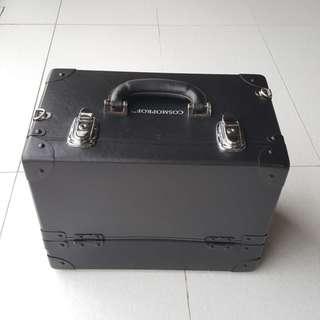 Cosmoprof Makeup box