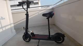 Well Maintained Lightly Utilized 36V 400W Electric scooter