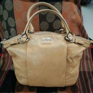 Authentic Coach handbag full leather #midyearsale